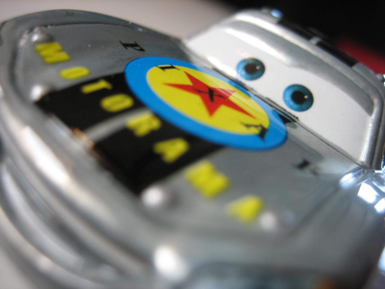 [recensement] Lightning McQueen Pixar Motorama - Page 3 IMG_7389